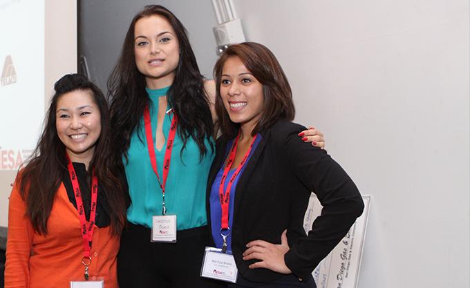 2013_women_volunteers